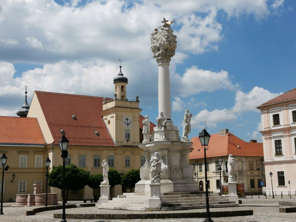 Hauptplatz in der Altstadt von Osijek, Slawonien