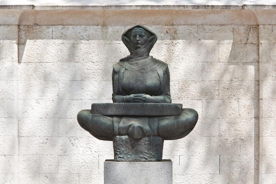 Ivan Meštrović - Geschichte der Kroaten Statue in Zagreb